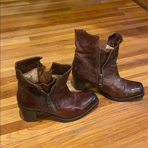 Fry distressed leather  boot